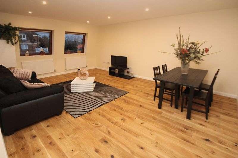 2 Bedrooms Flat for sale in Apartment 9, Croft House, East Street, Tonbridge