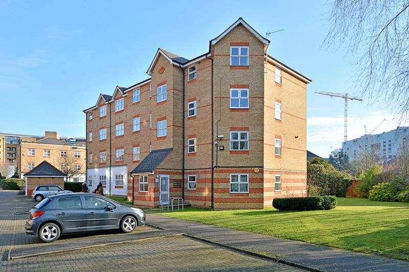 2 Bedrooms Flat for sale in Basevi Court West, Deptford, SE8