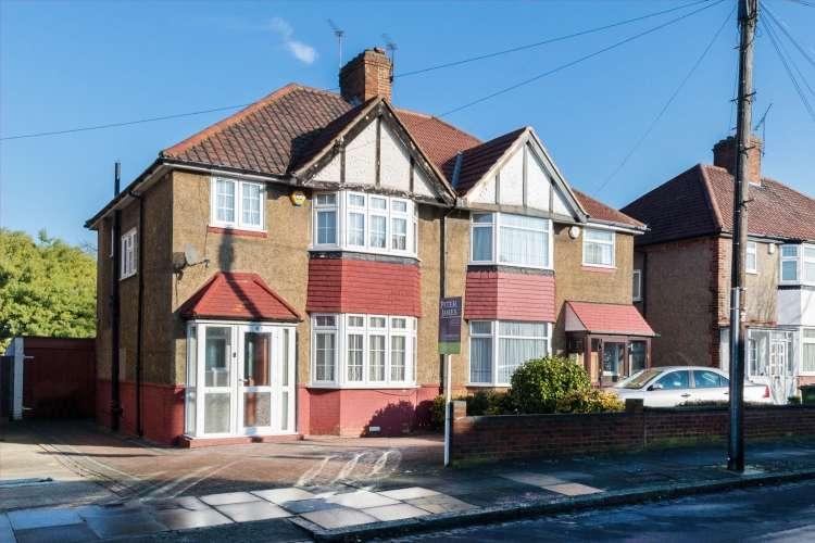 3 Bedrooms Semi Detached House for sale in Merriman Road Blackheath SE3