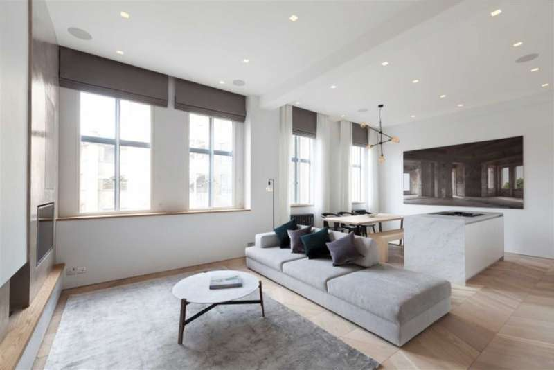2 Bedrooms Flat for sale in Chiltern Court, London