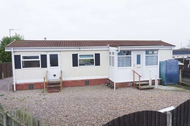 1 Bedroom Property for sale in Lichfield Road, Brownhills, Walsall