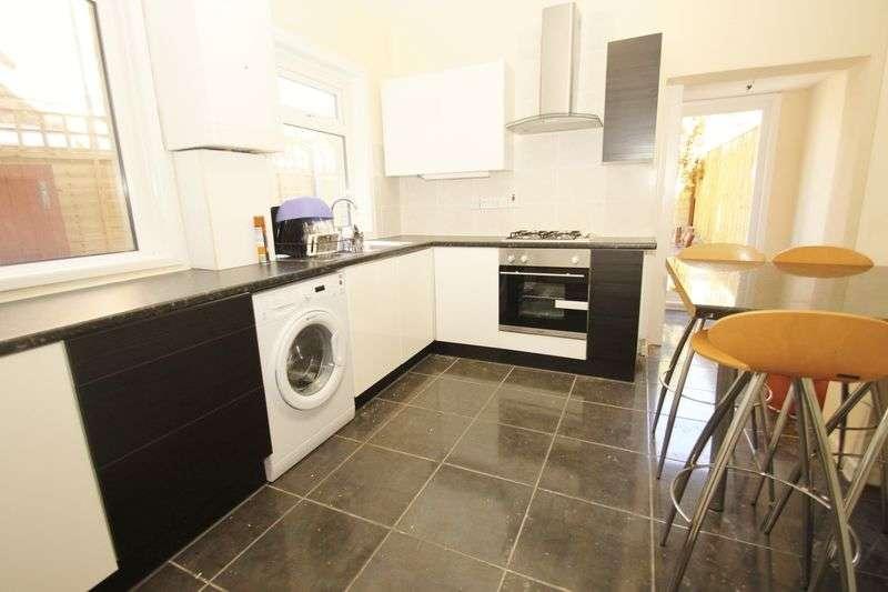 4 Bedrooms Semi Detached House for rent in Four Double Bedroom Refurbished Student House