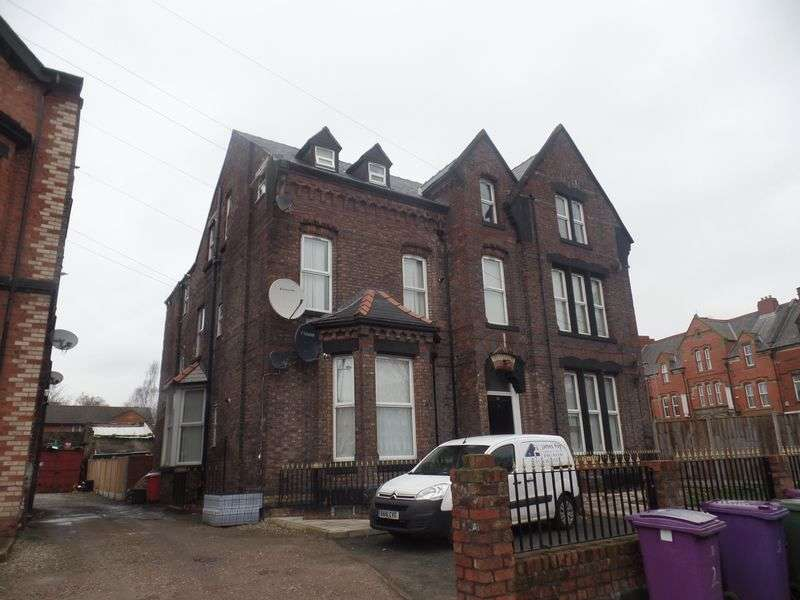2 Bedrooms Flat for sale in Flat 6, 43 Bentley Road, Liverpool