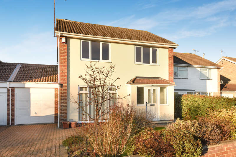 4 Bedrooms Detached House for sale in Swindon