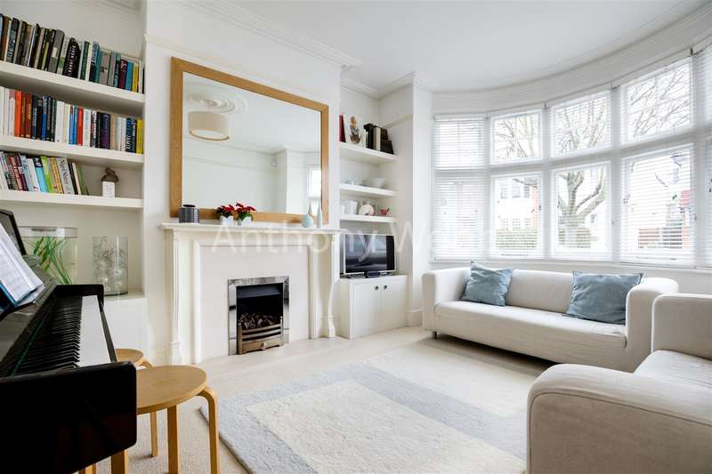 4 Bedrooms House for sale in New River Crescent, Palmers Green, London N13