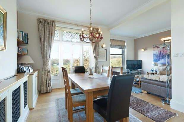 3 Bedrooms Flat for sale in Parliament Hill Mansions, Lissenden Gardens, Dartmouth Park, NW5