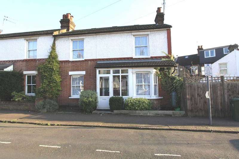 3 Bedrooms Semi Detached House for sale in Neal Street, Watford Fields