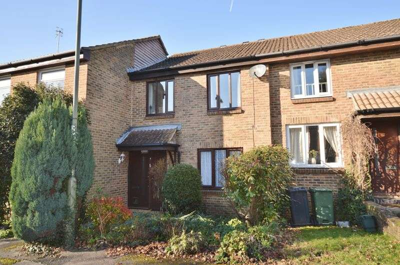 1 Bedroom Flat for sale in Dovedale Close, Guildford