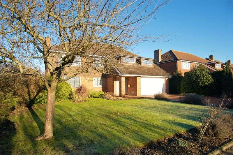 5 Bedrooms House for sale in Sunset Drive, Luton