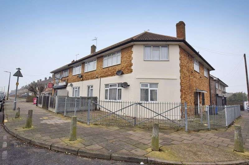 1 Bedroom Flat for sale in Abbotts Drive, Stanford-Le-Hope