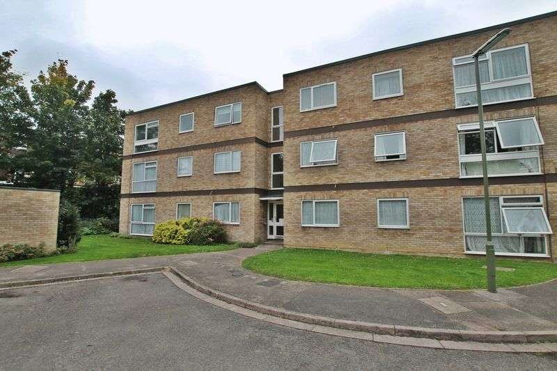 2 Bedrooms Flat for sale in Addlestone