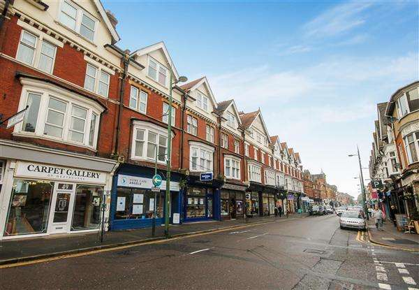 2 Bedrooms Flat for sale in Poole Road, Westbourne, Bournemouth
