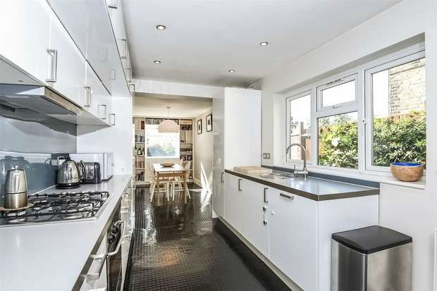 3 Bedrooms Terraced House for sale in Waldo Road, College Park, Kensal Green, London