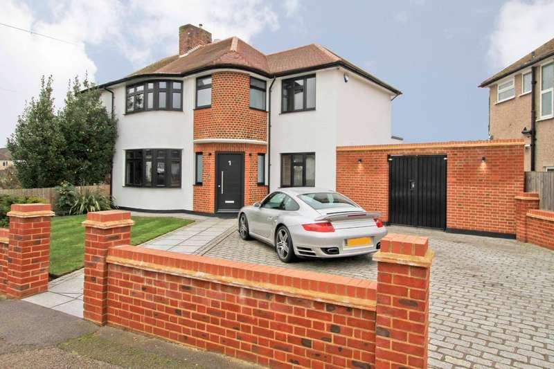 4 Bedrooms Semi Detached House for sale in Ferncroft Avenue, Ruislip