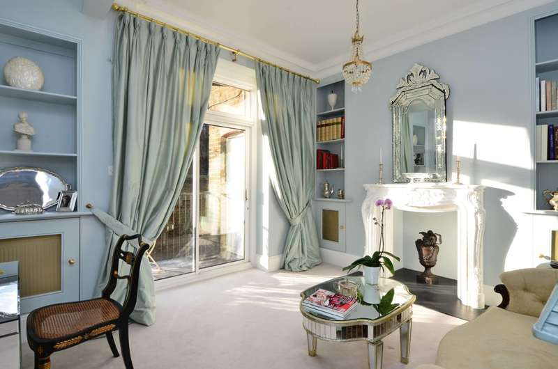 1 Bedroom Flat for sale in Warwick Mansions, Cromwell Crescent, Kensington, SW5