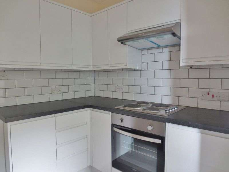 4 Bedrooms Terraced House for rent in Crayford Road, Brighton