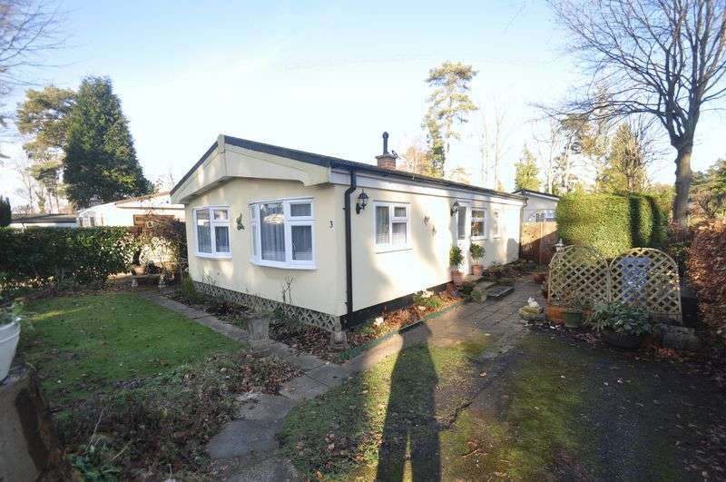 2 Bedrooms Detached House for sale in Grange Estate, Church Crookham, Fleet