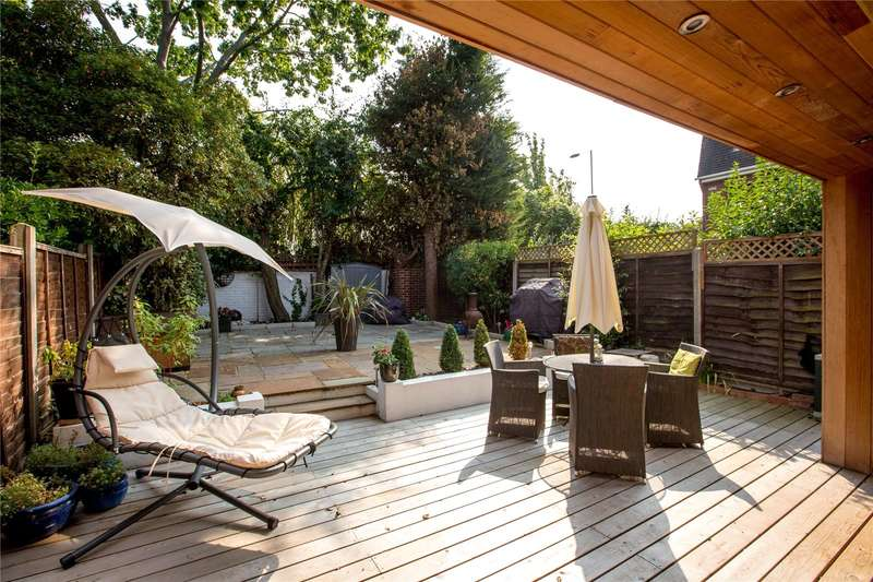 4 Bedrooms Semi Detached House for sale in Ditton Reach, Thames Ditton, Surrey, KT7