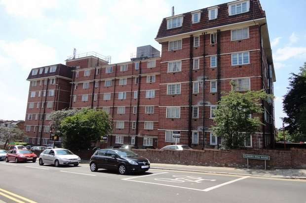 2 Bedrooms Flat for sale in Elmers End Road, Anerley, London