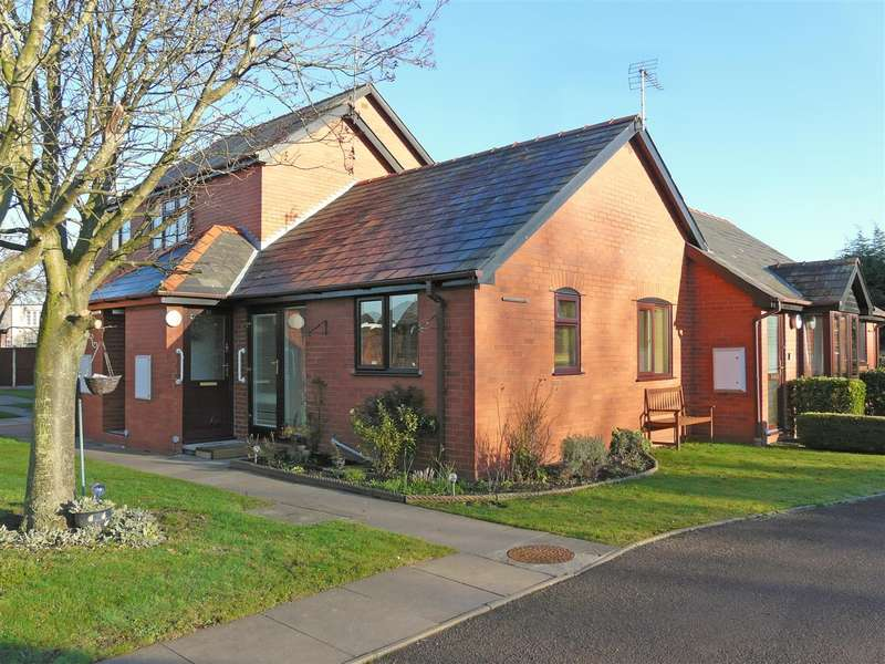 1 Bedroom Bungalow for sale in St. Marys Court, Off Grandstand Road, Hereford, HR4