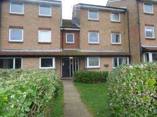2 Bedrooms Flat for sale in Lake Drive, Peacehaven, East Sussex