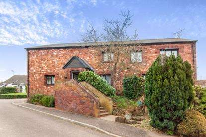 1 Bedroom Flat for sale in Broadclyst, Exeter