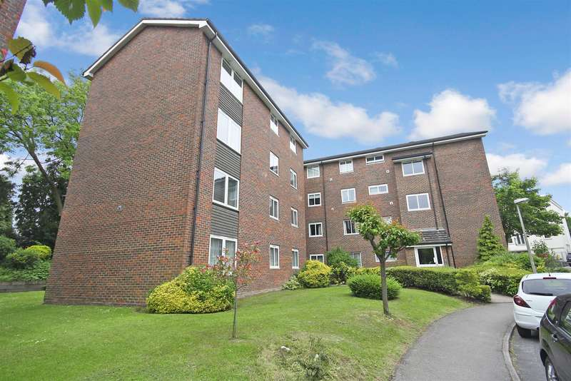 3 Bedrooms Property for sale in Somers Close, Reigate
