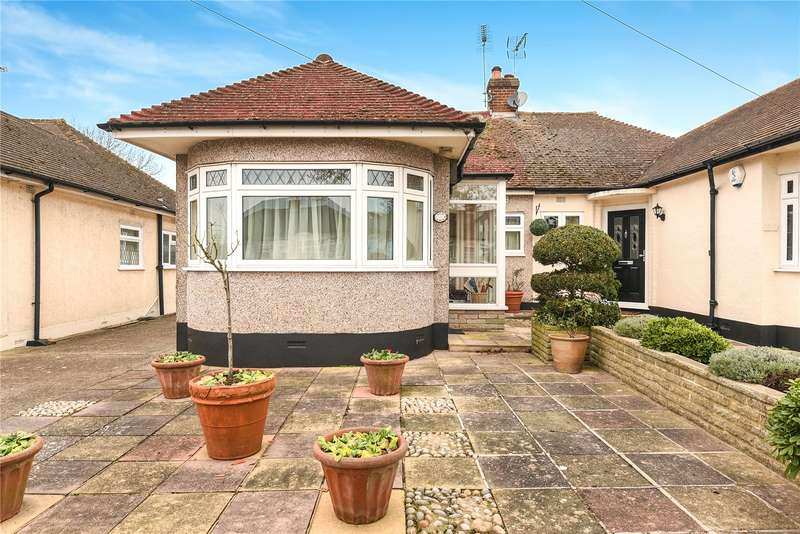 2 Bedrooms Semi Detached Bungalow for sale in Pavilion Way, Ruislip, Middlesex, HA4
