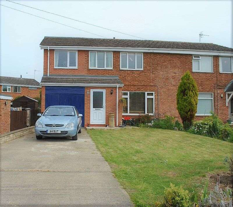 4 Bedrooms Semi Detached House for sale in Orchard Close Barton-Upon-Humber