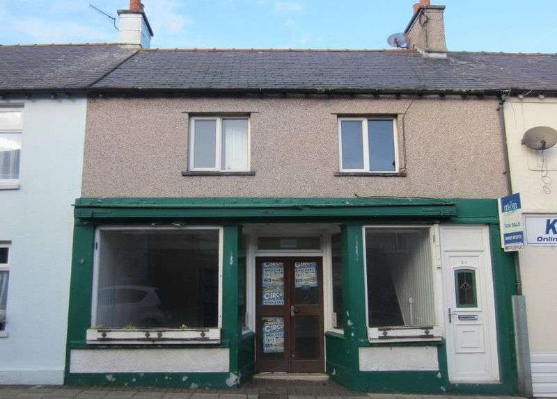 2 Bedrooms Flat for sale in High Street, Cemaes Bay