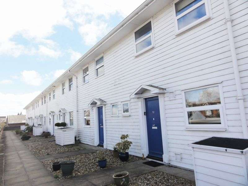 3 Bedrooms Maisonette Flat for sale in Stocklund Square, Cranleigh