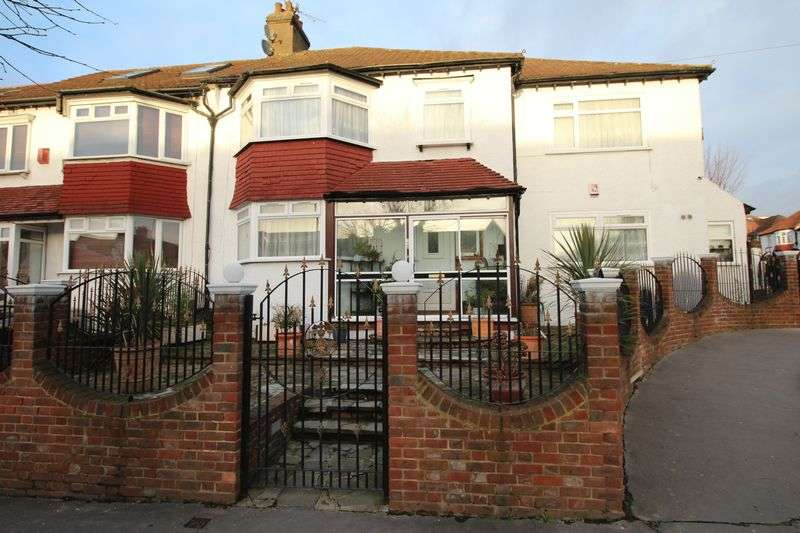 4 Bedrooms Terraced House for sale in Green Lane, Norbury SW16