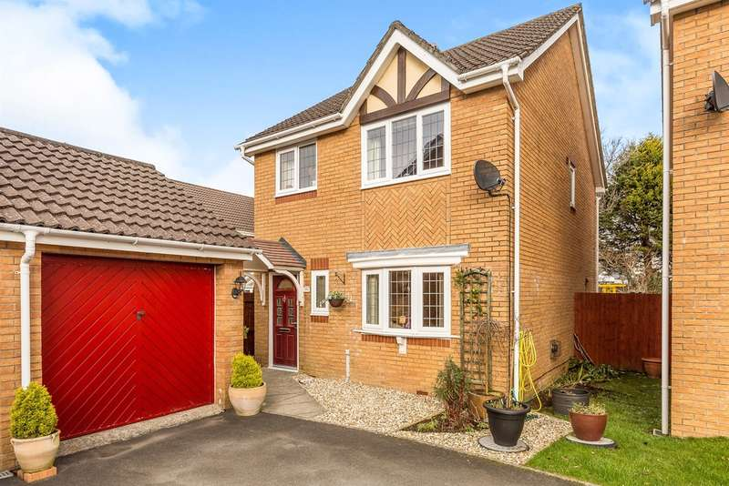 3 Bedrooms Detached House for sale in Cae Castell, Loughor, Swansea