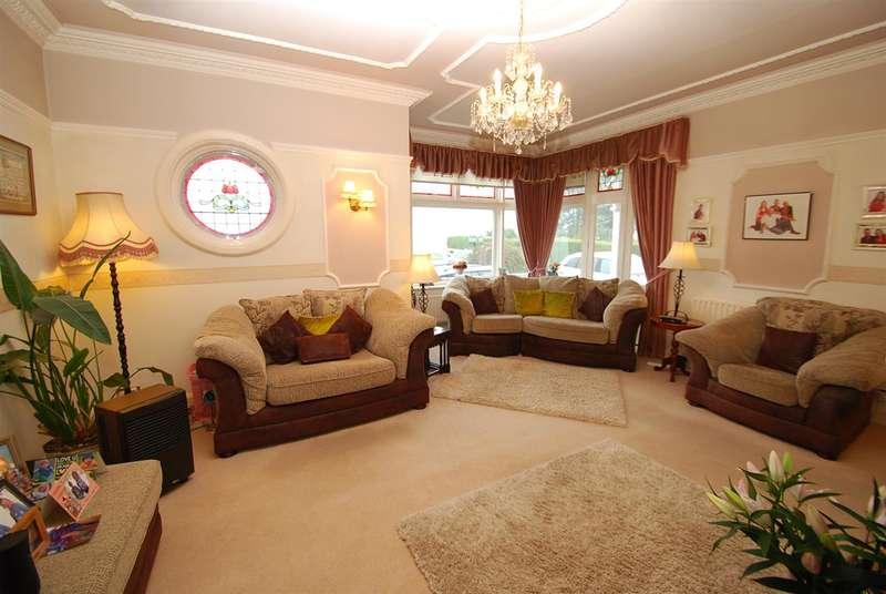 4 Bedrooms Detached House for sale in Drummond Road, Skegness