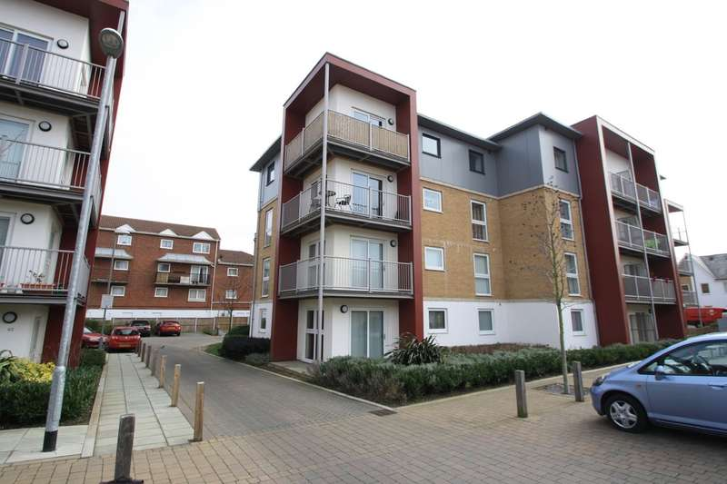 2 Bedrooms Flat for sale in Saxon Close, Grays
