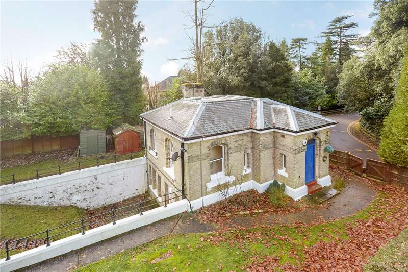 2 Bedrooms Detached House for sale in High Trees Road, Reigate, Surrey, RH2