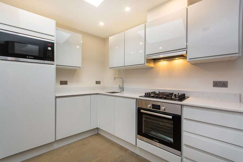 Studio Flat for sale in Southampton Way, Camberwell, SE5