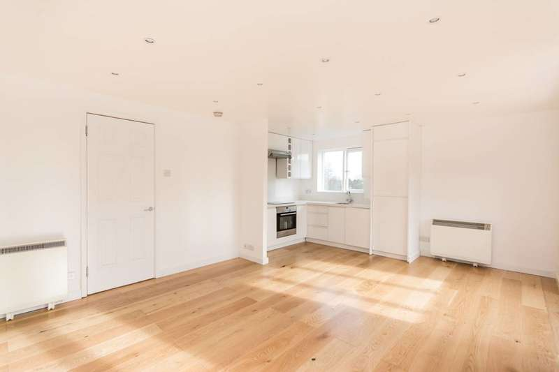2 Bedrooms Flat for sale in Campbell Gordon Way, Gladstone Park, NW2