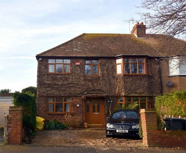 6 Bedrooms Semi Detached House for sale in Argyle Avenue, Margate