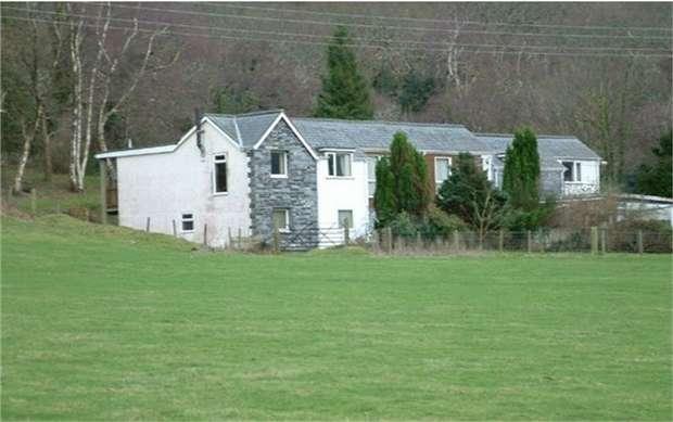 4 Bedrooms Terraced House for sale in Bryncrug, Tywyn, Gwynedd