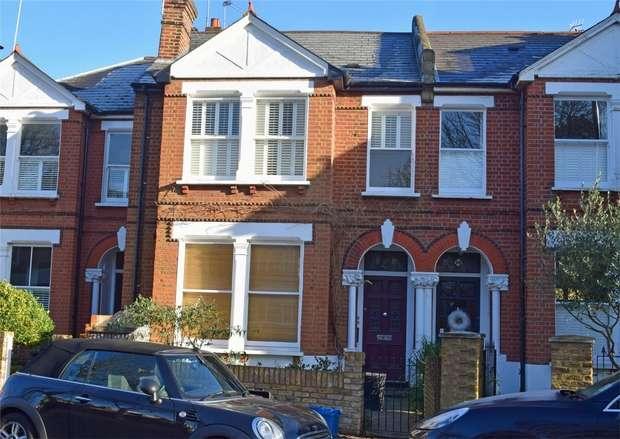 2 Bedrooms Flat for sale in Crown Road, St Margarets, Twickenham
