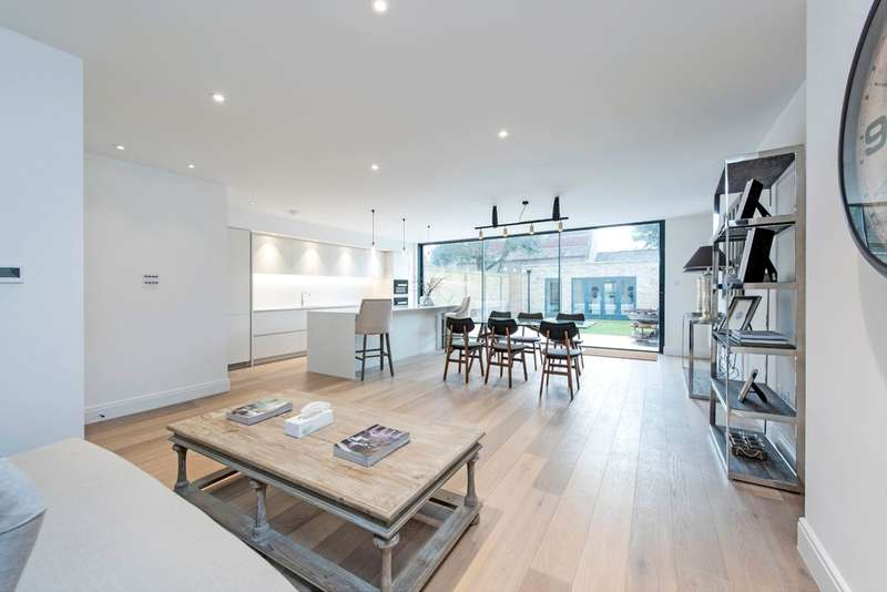 5 Bedrooms Semi Detached House for sale in Thurleigh Road, Battersea, London
