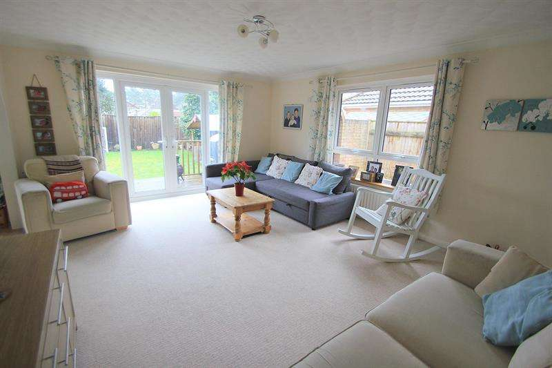 4 Bedrooms Chalet House for sale in Moneyfly Road, Verwood