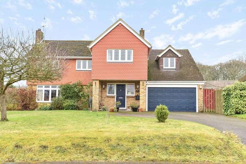 5 Bedrooms Detached House for sale in Bentley