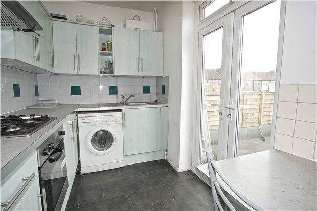 2 Bedrooms Flat for sale in Streatham Vale, LONDON, SW16