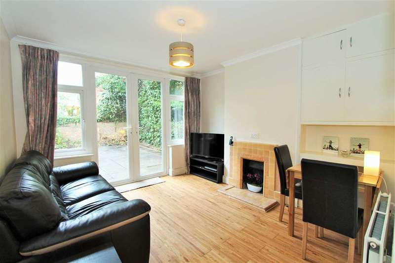 2 Bedrooms Apartment Flat for sale in Southview House, Manns Road, Edgware