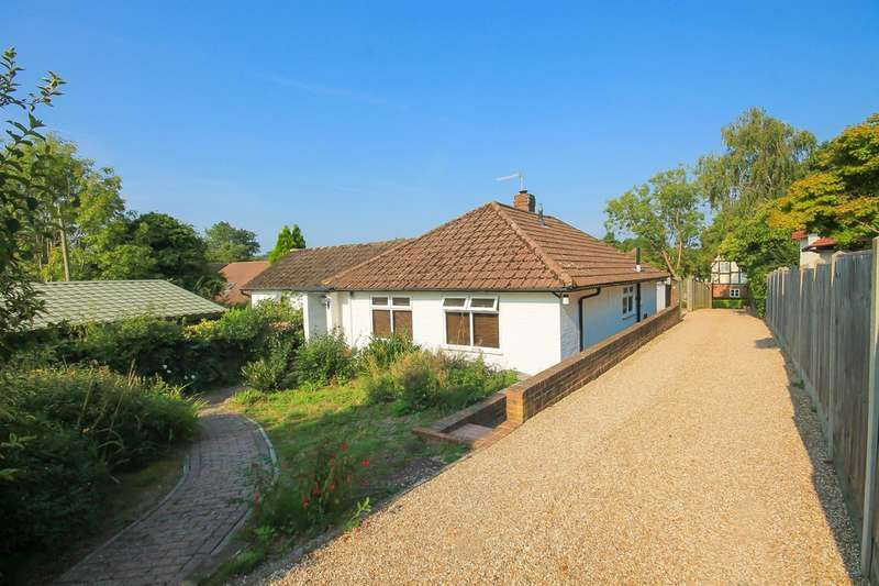 3 Bedrooms Detached Bungalow for sale in Dunnings Road, East Grinstead