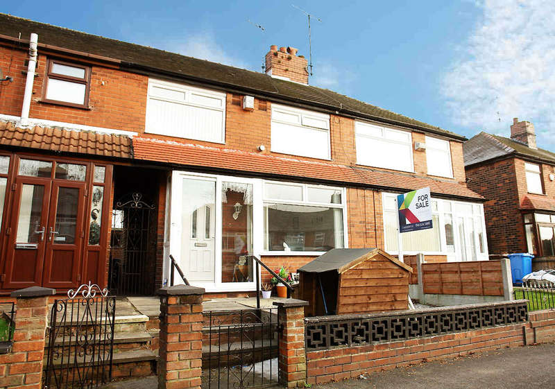 3 Bedrooms Town House for sale in 5 Stirling Road, Chadderton