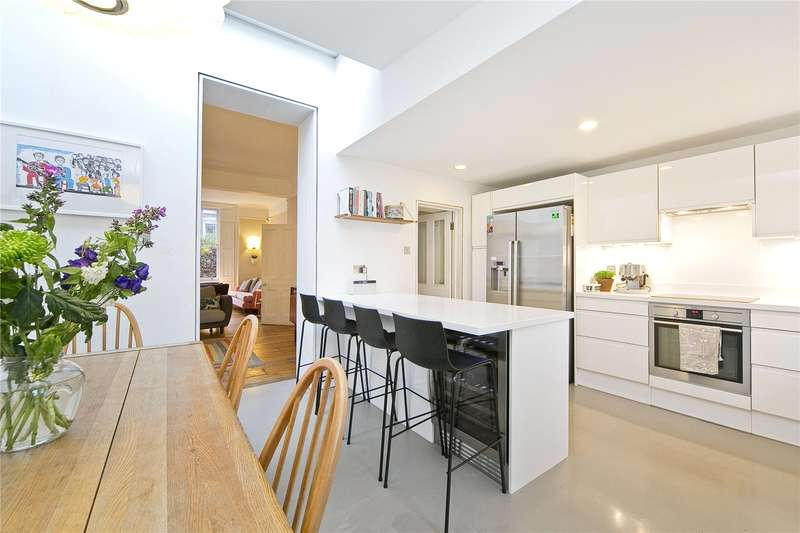 4 Bedrooms House for sale in Southgate Road, Canonbury, N1