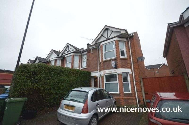 7 Bedrooms Terraced House for rent in Portswood Road, Southampton - Off Road Parking Available